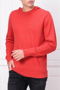 Czerwony sweter Tommy Hilfiger z bawełny z okrągłym dekoltem w stylu casual