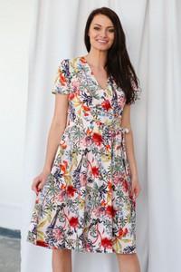 Sukienka butik-choice.pl z dekoltem w kształcie litery v midi kopertowa