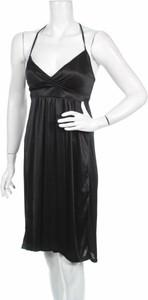 Czarna sukienka Vero Moda z dekoltem w kształcie litery v na ramiączkach