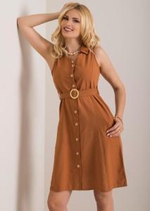Brązowa sukienka Sheandher.pl bez rękawów szmizjerka z kołnierzykiem