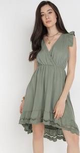 Zielona sukienka born2be oversize