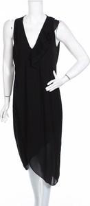 Czarna sukienka Sisley midi prosta bez rękawów