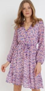Fioletowa sukienka born2be mini trapezowa z dekoltem w kształcie litery v
