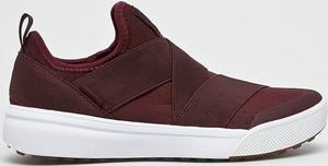 Bordowe buty sportowe Vans z płaską podeszwą