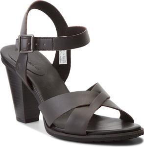 Brązowe sandały Timberland z klamrami ze skóry ekologicznej w stylu casual