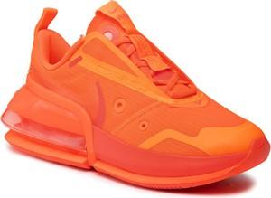 Pomarańczowe buty sportowe Nike z płaską podeszwą sznurowane