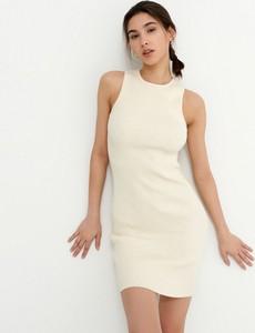 Sukienka House w stylu casual dopasowana bez rękawów