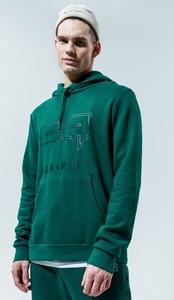 Zielona bluza Confront w młodzieżowym stylu