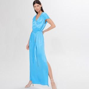 Niebieska sukienka Mohito prosta z dekoltem w kształcie litery v z krótkim rękawem