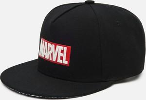 Czarna czapka Cropp