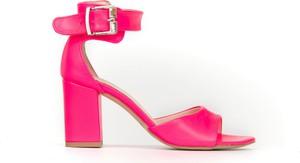 Sandały Zapato z klamrami na obcasie