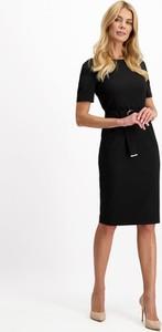 Sukienka Lavard z tkaniny midi z krótkim rękawem