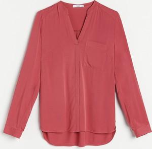 Różowa bluzka Reserved z dekoltem w kształcie litery v z długim rękawem w stylu casual