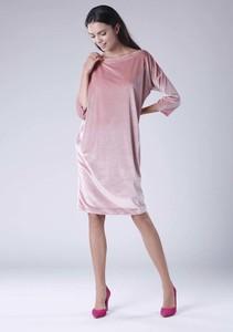 Sukienka Nommo w stylu casual oversize midi
