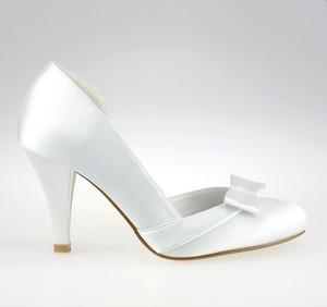7a9ae380954097 Czółenka Wedding Shoes By Code z okrągłym noskiem ze skóry ekologicznej na  wysokim obcasie