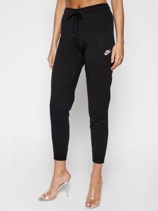 Spodnie sportowe Nike z dresówki w sportowym stylu