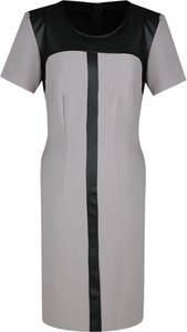 Sukienka Fokus z krótkim rękawem ze skóry dopasowana