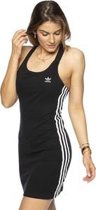 Sukienka Adidas Originals na ramiączkach dopasowana