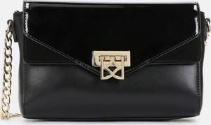 Czarna torebka Kazar na ramię lakierowana