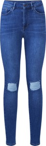 Niebieskie jeansy Vero Moda w street stylu