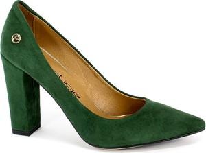 Zielone czółenka Prestige ze skóry ze spiczastym noskiem w stylu klasycznym