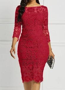 Czerwona sukienka Arilook z okrągłym dekoltem midi