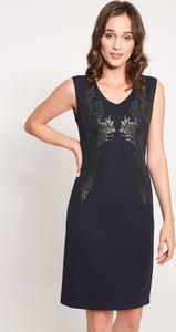 Granatowa sukienka QUIOSQUE prosta mini