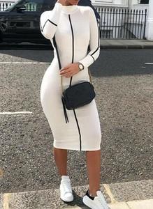 Sukienka Arilook z długim rękawem z dresówki midi
