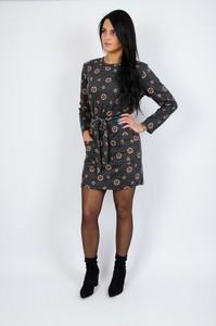 Sukienka Olika prosta w stylu casual z okrągłym dekoltem