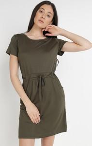 Sukienka born2be z krótkim rękawem trapezowa w stylu casual