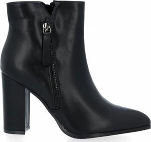 Botki Crystal Shoes w stylu klasycznym