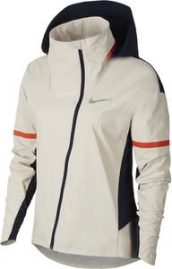 Kurtka Nike w sportowym stylu
