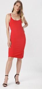 Czerwona sukienka born2be z okrągłym dekoltem prosta na ramiączkach