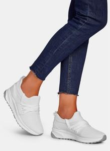 Buty sportowe DeeZee w sportowym stylu