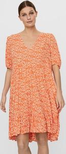 Pomarańczowa sukienka Vero Moda mini z krótkim rękawem w stylu casual