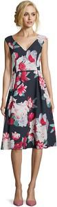 Sukienka Vera Mont z dekoltem w kształcie litery v bez rękawów