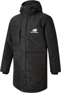 Czarna kurtka New Balance w sportowym stylu