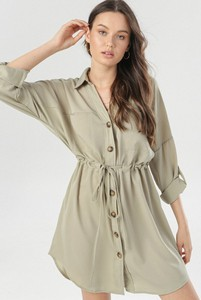 Zielona sukienka born2be w stylu casual mini koszulowa