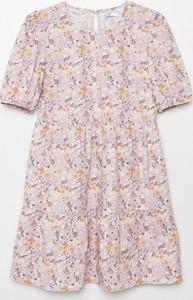Różowa sukienka Cropp w stylu casual