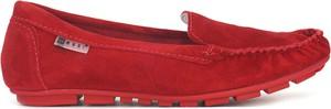 Czerwone półbuty Nessi z weluru w stylu casual z płaską podeszwą