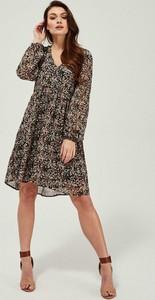 Sukienka Moodo.pl z długim rękawem baskinka mini