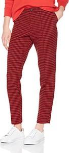 Czerwone spodnie amazon.de w stylu klasycznym