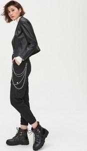 Czarna kurtka Cropp w rockowym stylu krótka