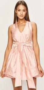 Sukienka Pinko z dekoltem w kształcie litery v bez rękawów z tkaniny