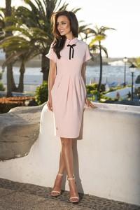 Różowa sukienka issysklep.pl z krótkim rękawem