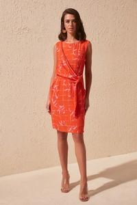 Sukienka Trendyol mini z okrągłym dekoltem
