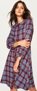 Sukienka Reserved koszulowa w stylu casual midi