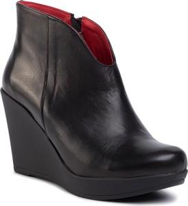 Buty damskie na koturnie Karino, kolekcja wiosna 2020