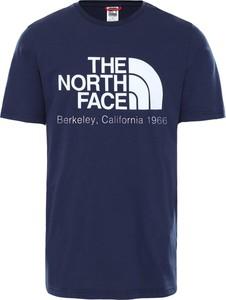 T-shirt The North Face w młodzieżowym stylu