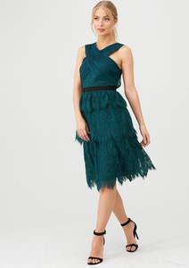 Zielona sukienka V by Very z dekoltem w kształcie litery v midi